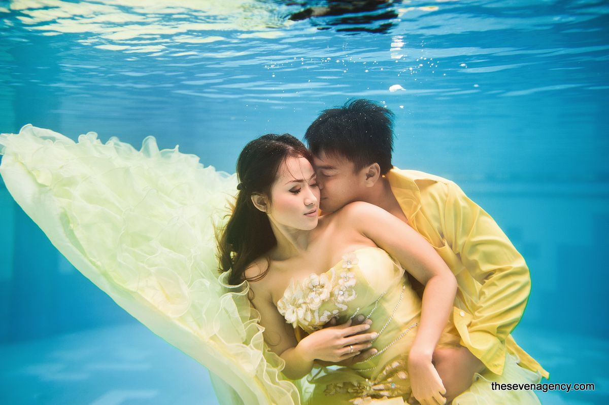 Underwater wedding - image (2).jpg