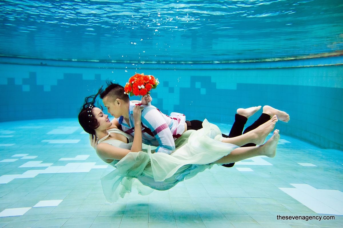 Underwater wedding - image (4).jpg
