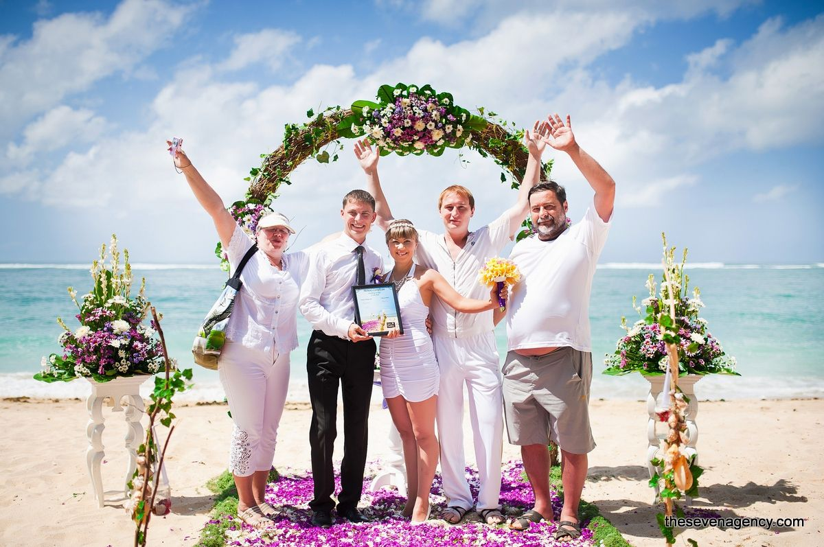 Beach wedding - ZB55.jpg