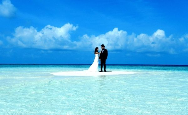 Castaway wedding - maldives-wedding.jpg