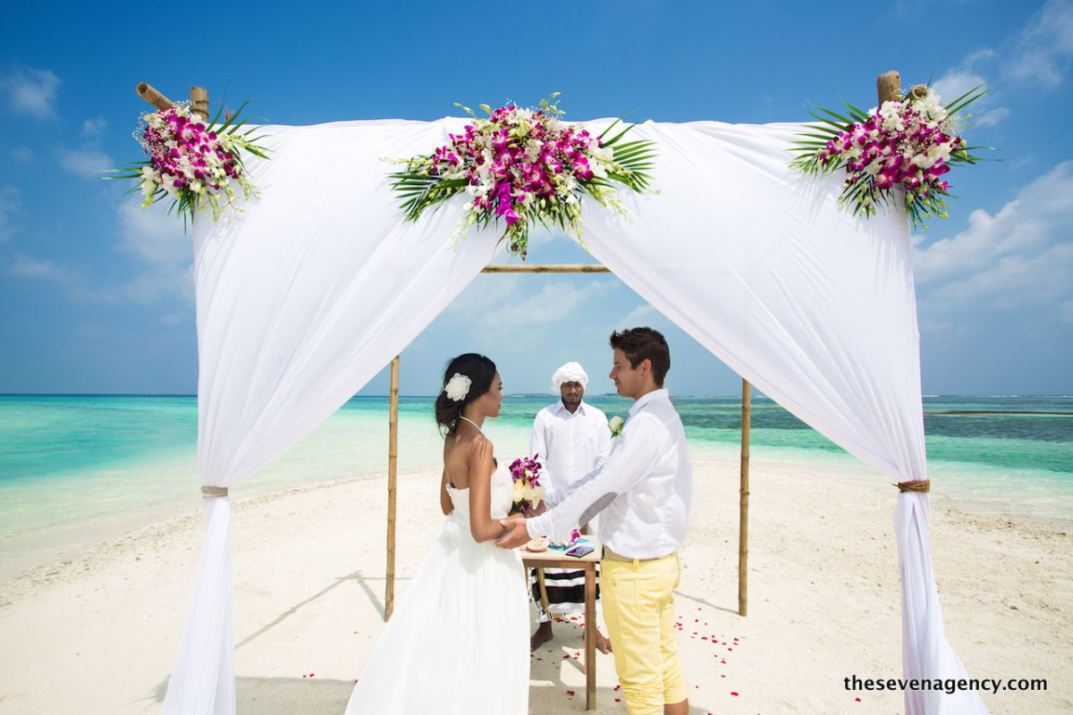 Beach wedding - 1P3A4406.jpg