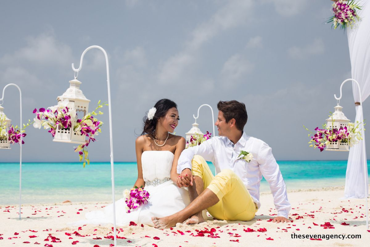 Beach wedding - 1P3A4615.jpg