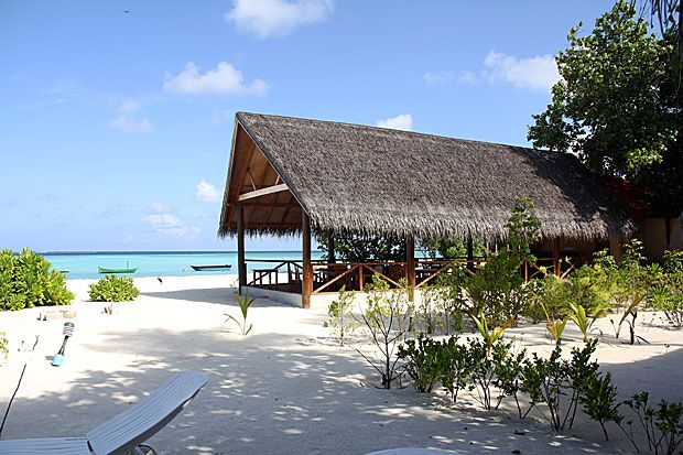 Gulhi - gulhi-sandy-beach-maldives-1.jpg