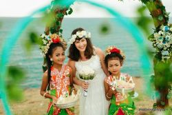 Entertainment for ceremony Flower girls for ceremony