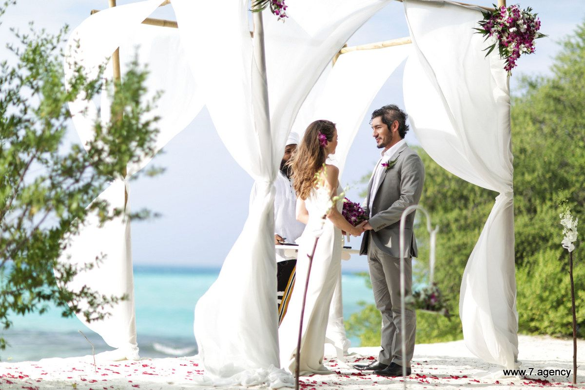 Uninhabited island wedding - Roberto and Paula - 02.01.2016 - Wedding in Maldives - 013.jpg
