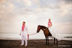 Photosession program Prewedding photoshoot with horses