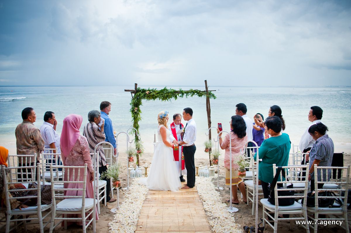 Hidden beach wedding - AG1_0372.jpg