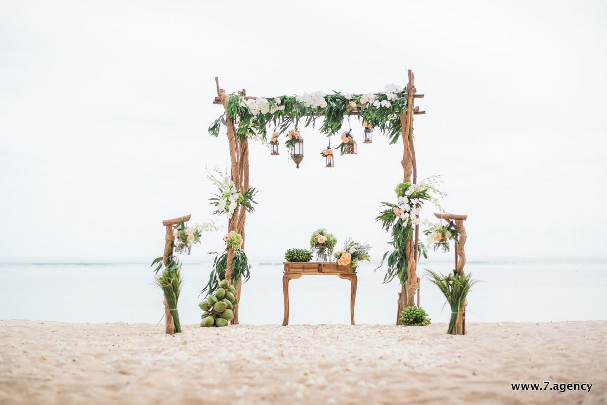 Hidden beach wedding - Lightshell-0157.jpg