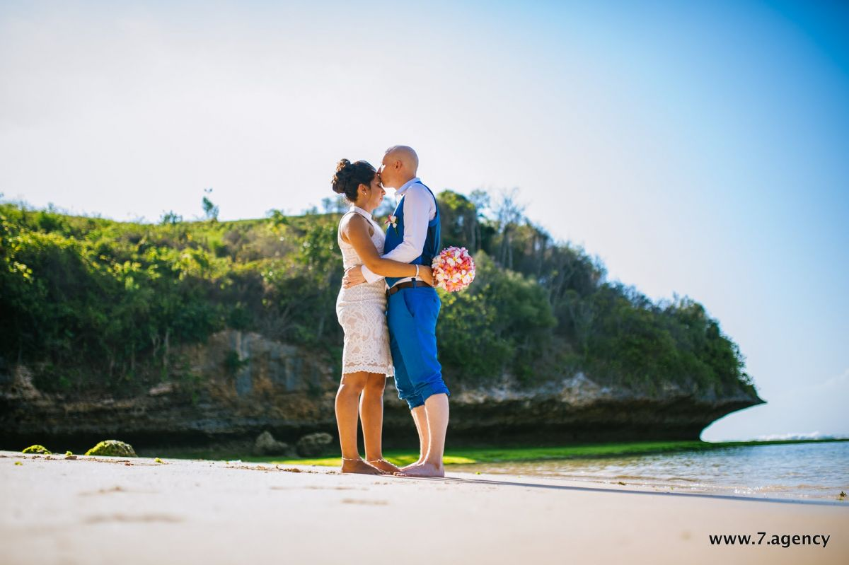 Hidden beach wedding - AVA_4386.jpg