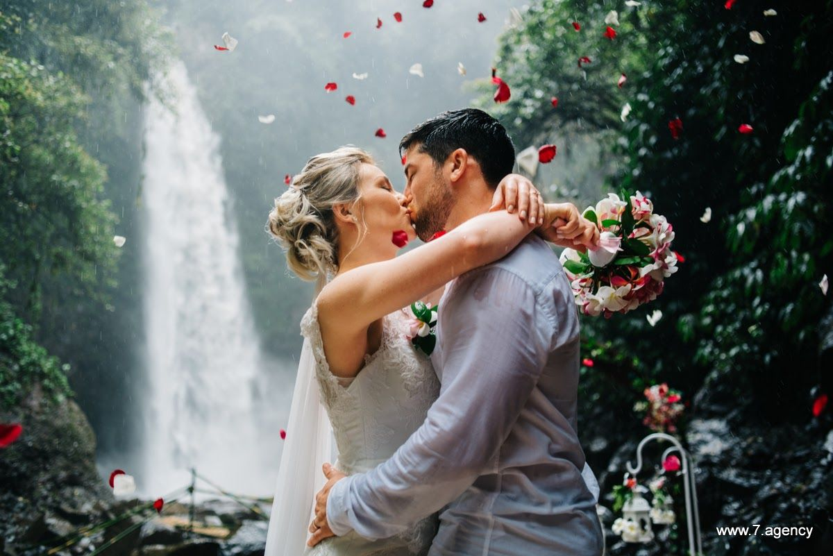 Waterfall wedding in Bali - 26.03.2017 RICHARD + ALLESA WEDDING_35.JPG