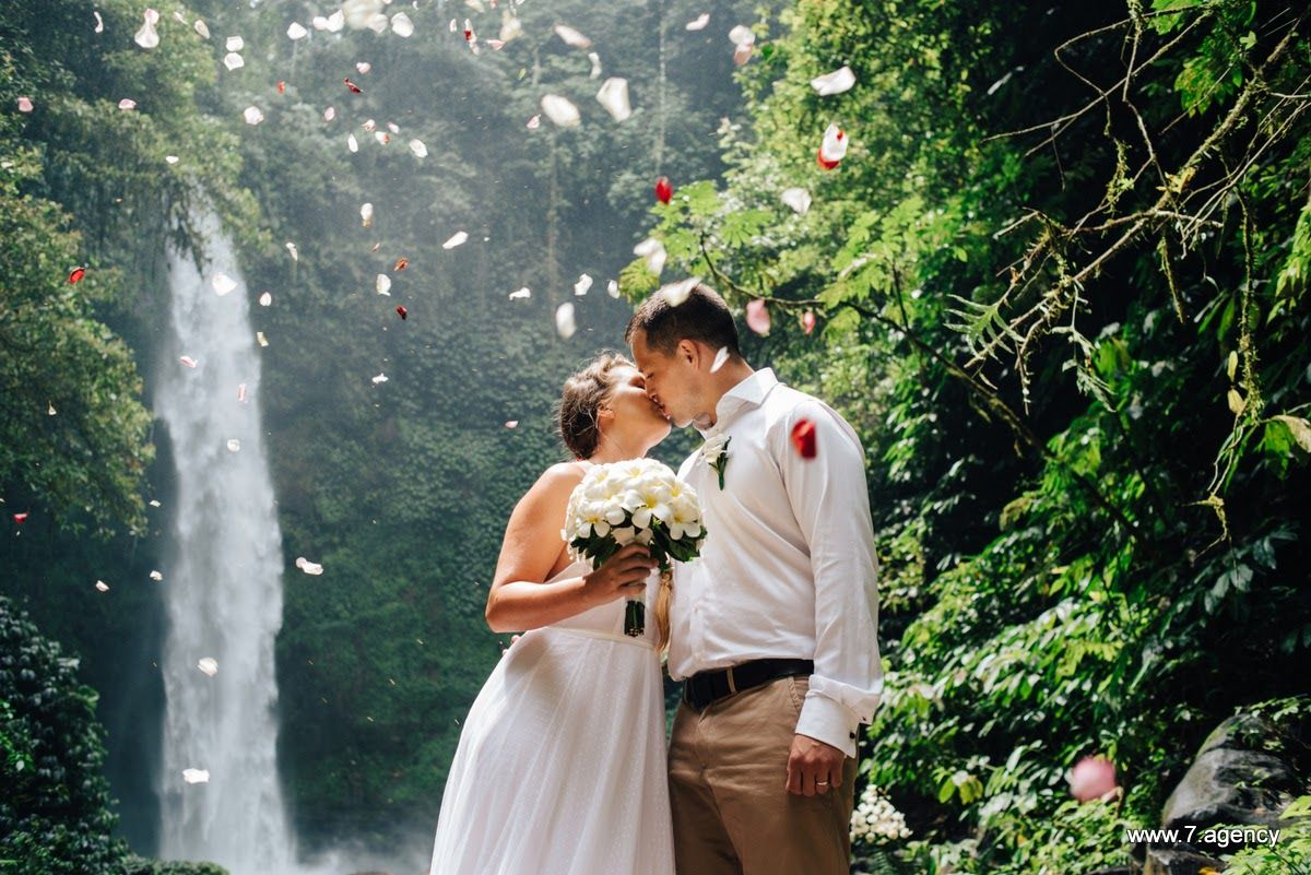 Waterfall wedding in Bali - 27-Jonathan + Rachel_027.JPG