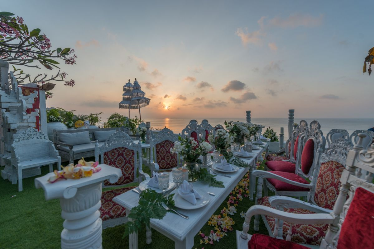 Morabito cliff wedding - morabito-art-cliff_Bingin Bali Temple Terrace Wedding_7.jpg