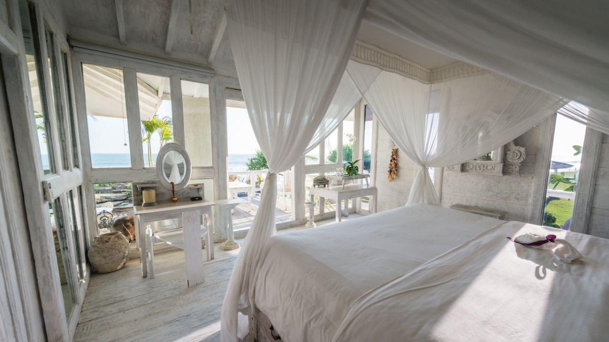 Morabito beach wedding - Beach House_bedroom-1.jpg