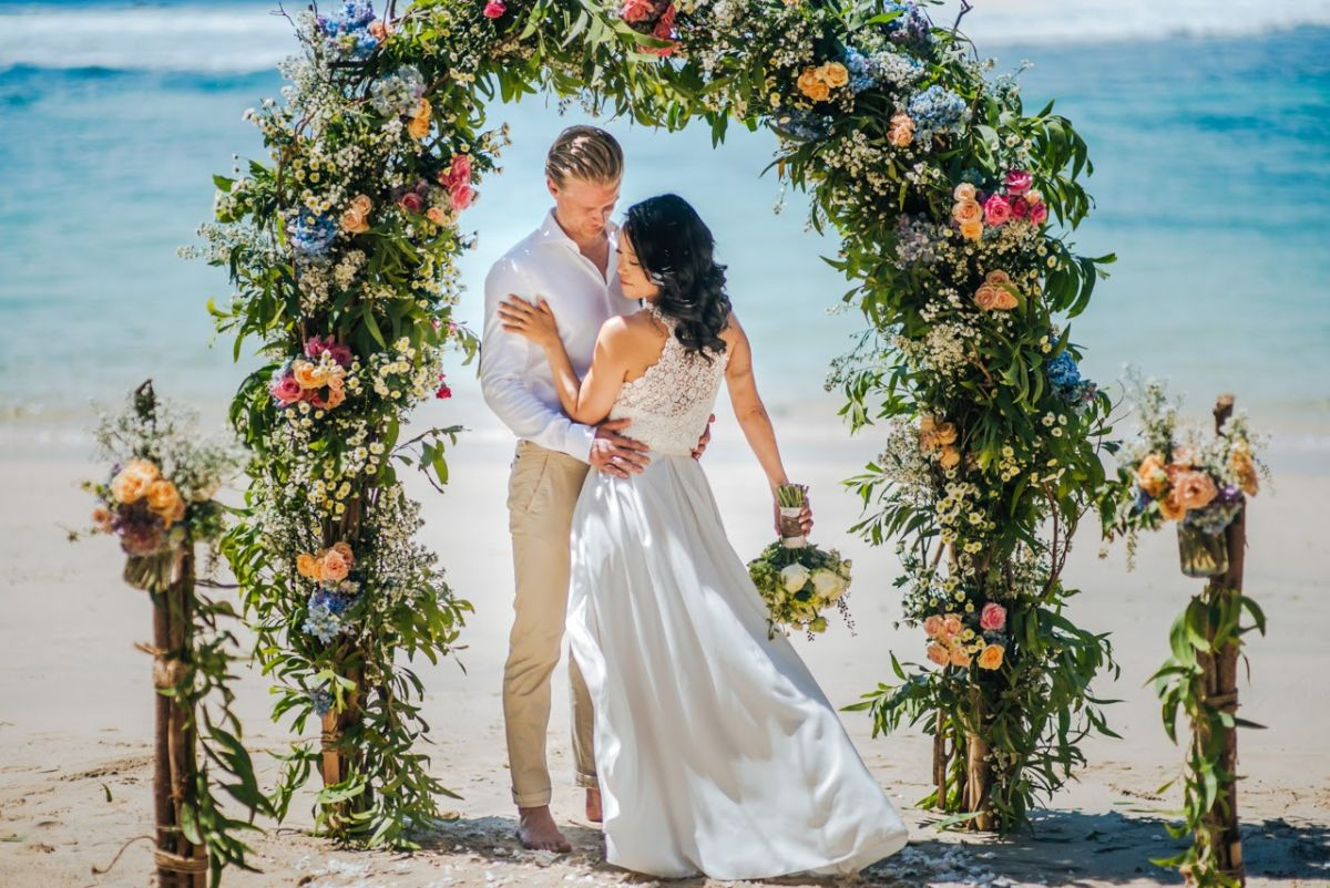 Hidden beach wedding - Tim + Aki 356.jpg