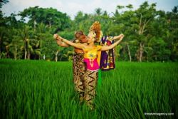 Additional components Traditional balinese costume