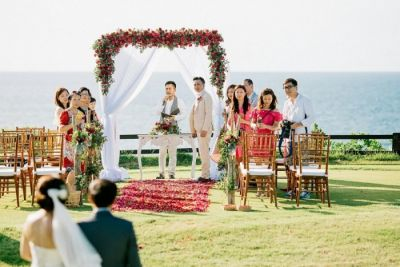 Wedding in bali by the seven agency edge cliff wedding junglespirit Image collections